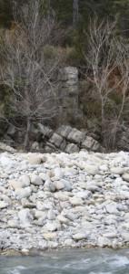 Vestige d'un pilier de l'ancien pont